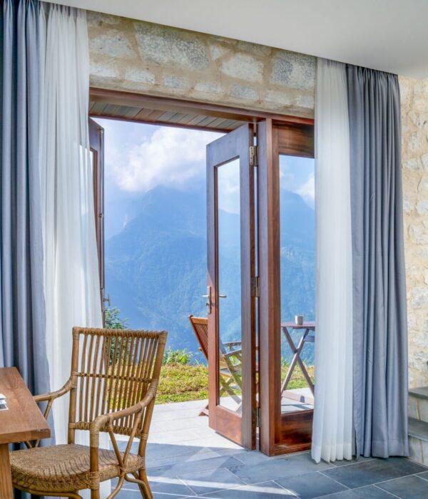 Deluxe Suite bedroom 1